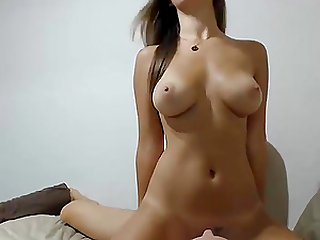 Girl with perfect body gets fucked by her boyfriend